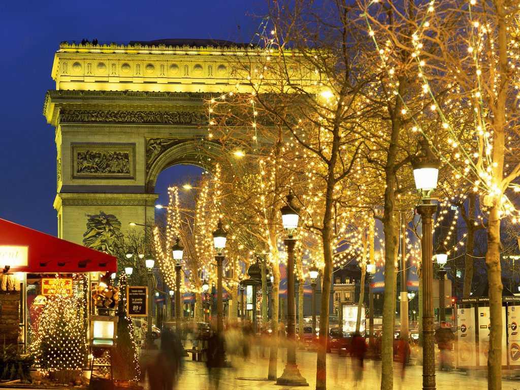 Париж с акциями и распродажами вы