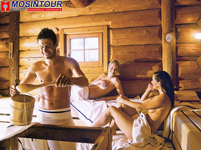 Мы с женой и друзья в бане интересно