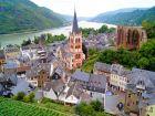 Вид на город Bacharach в долине Рейна