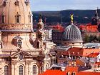 Вид на Фрауэнкирхе и крыши старого Дрездена