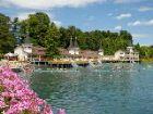 Цветущий берег озера Хевиз
